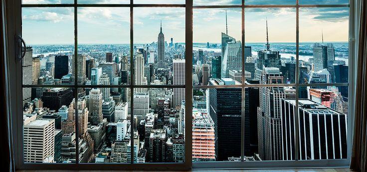 New York views. Ritratto della vita di alcuni new yorkesi nel mondo odierno. Friendly window watcher di Out Of My Window 2009 a NY - Gail Albert Halaban