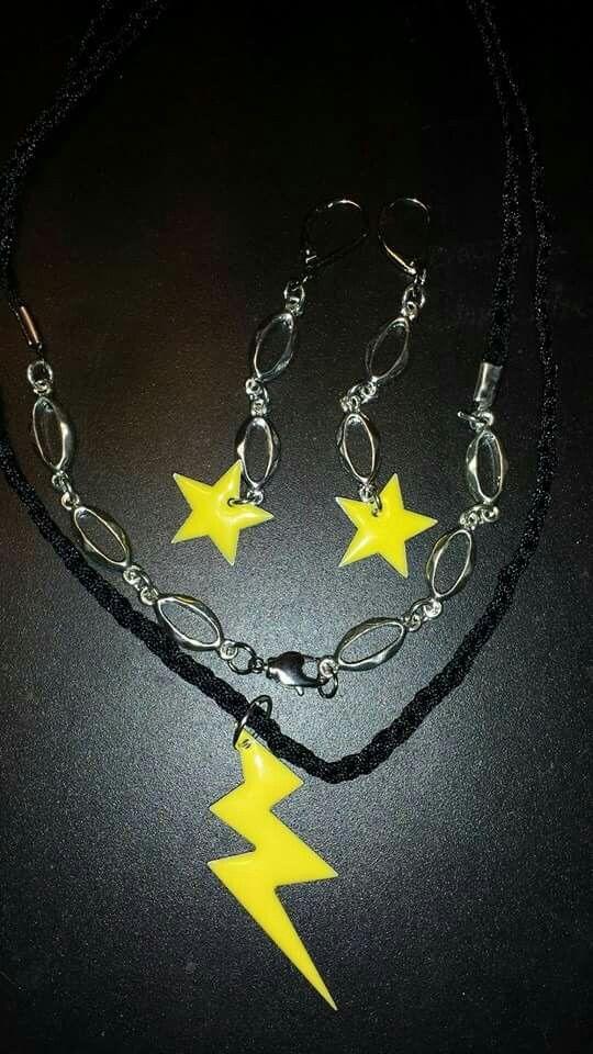Halsband och örhängen