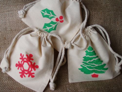JUTE POUCH: find more at: http://www.amanasia.com/product.php?cat=jute+pouch Or call: +91-9811365888