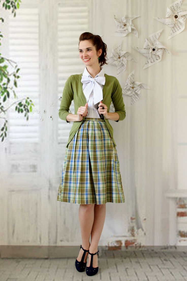 how to wear vintage clothes and look modern