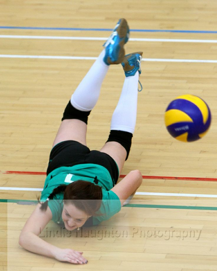 The Irish women's volleyball team beat Northern Ieland 3-1 at Trinity College.