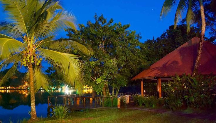 Offering an outdoor pool, sun terrace and free shuttle service, Laguna Eco-Lodge is set in Tortuguero in the Limon Region, 800 metres from Tortuguero