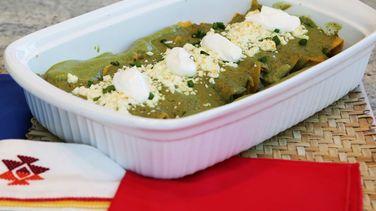 Enchiladas de Pollo en Salsa de Aguacate y Cilantro