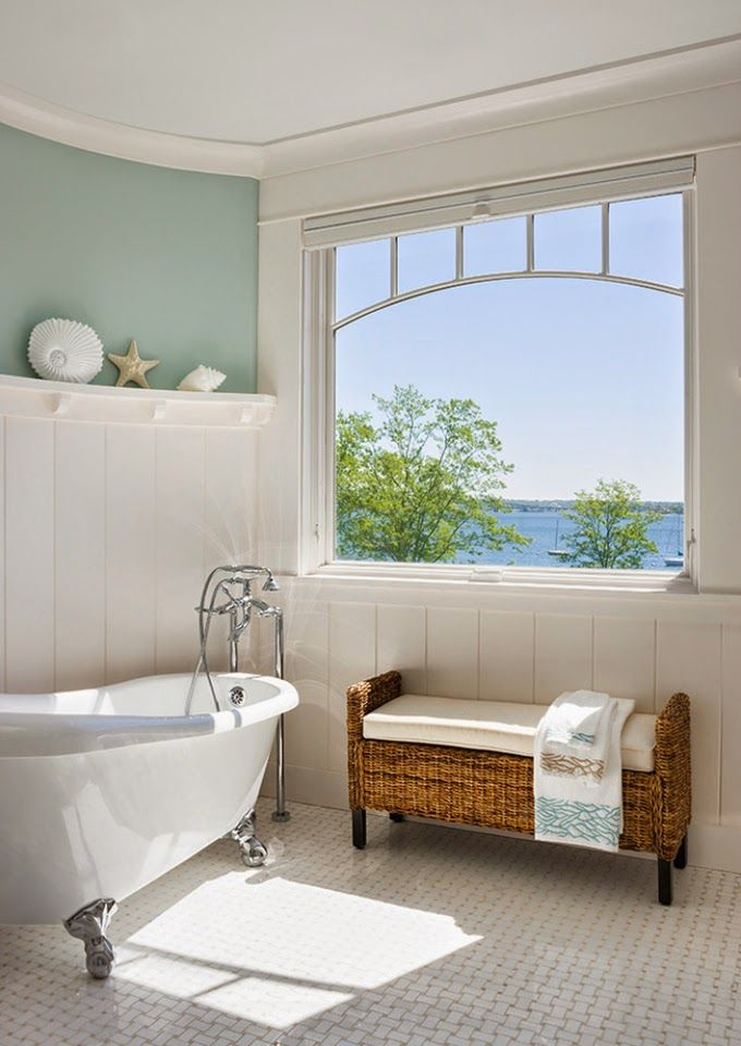 Sea-view bathroom. | Ron DiMauro Architects - House of Turquoise