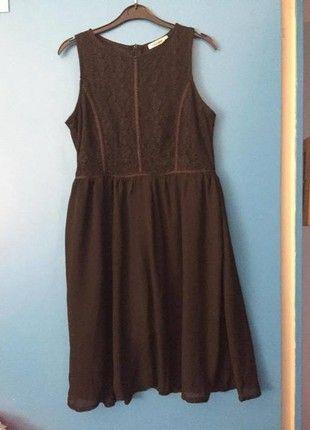 À vendre sur #vintedfrance ! http://www.vinted.fr/mode-femmes/robes-casual/27076415-robe-noire-dentelle-manoukian