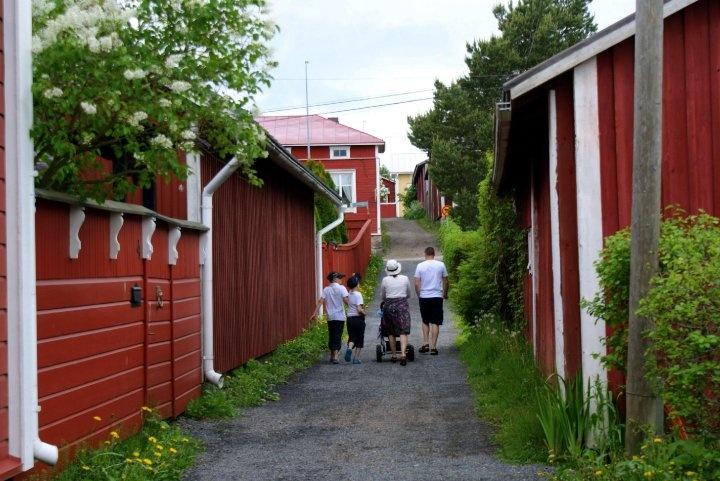 The smallest street in Finland is Kattpiskargränd in Kristinestad!