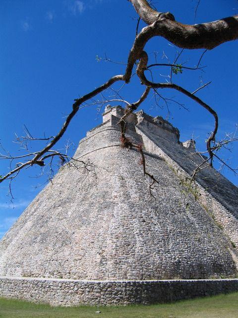 Mexico - Uxmal - Tempio del Divino. Guarda altre foto.
