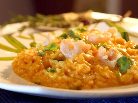 Receita de Risoto de Abóbora e Camarão - risoto NÃO é arroz empapado. São grãos inteiros, ligados por um creme que se forma durante o cozimento e ligado com a manteiga e o queijo, 2...