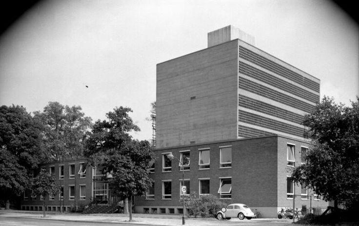 Deutsche Nationalbibliothek (1952-59) in Frankfurt/Main, Germany, by Alois Giefer & Hermann Mäckler