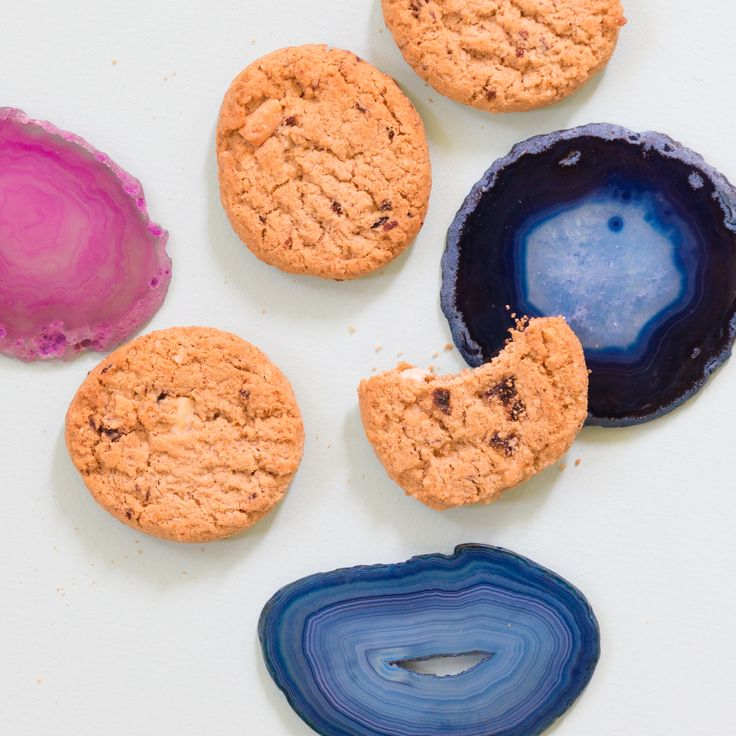 Did you know that Girl Scouts now offer TWO #glutenfree cookie flavors? #Trios #GirlScoutCookies