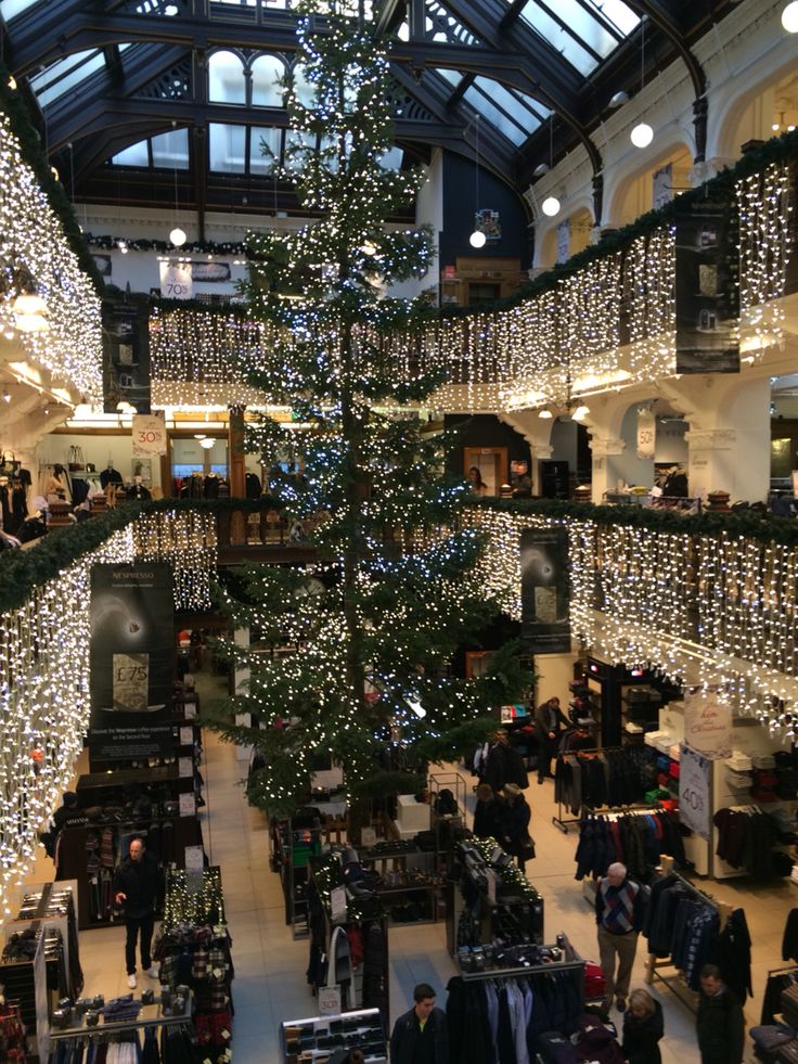 Christmas shopping in Edinburgh