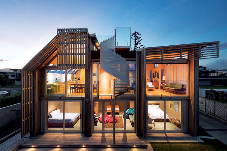 With only a 280m2 site to play with, architect Geoff Lentz of Antanas Procuta Architects was tasked with designing a full-size holiday home to be enjoyed by family and friends.