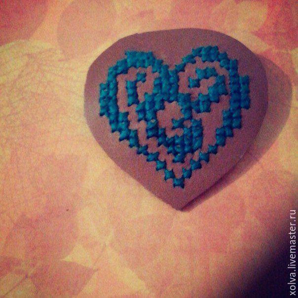 """Купить Брошь """"Сердце"""" - зеленый, сердце, кожа, кожа натуральная, брошь, брошь из кожи"""