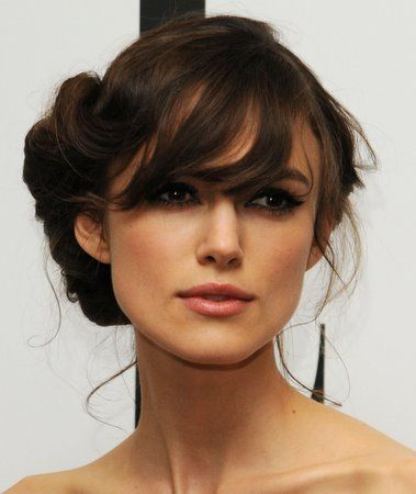 Oh once my hair gets this length, I will constantly be employing this lovely and classic style.