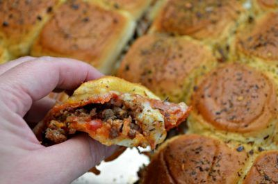 HOW TO MAKE EASY SAUSAGE PEPPERONI PIZZA SLIDERS
