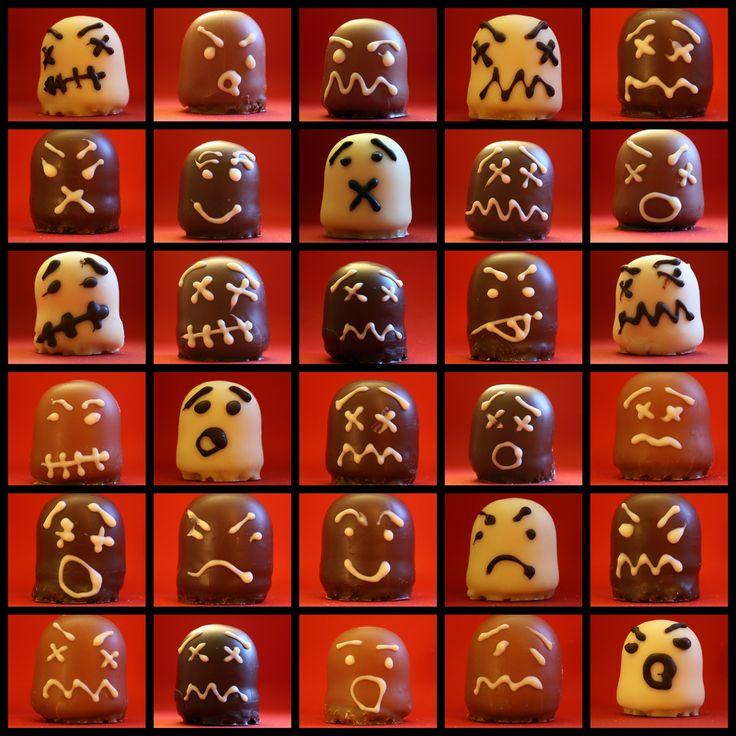 Halloween - Mini Schaumküsse mit Schokoladengesichtern - Kleine Geister - Dessert Süßigkeit