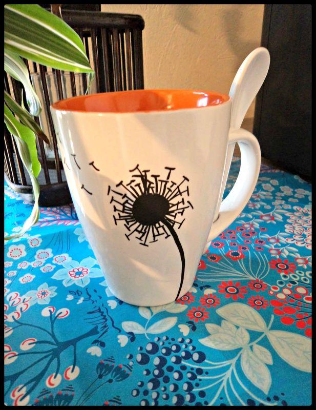 Pimp ton mug, décoration mug posca http://camdreybricolent.canalblog.com/