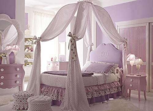 Lovely girls canopy bed.