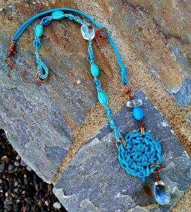 mixed-media-necklace-aqua-1