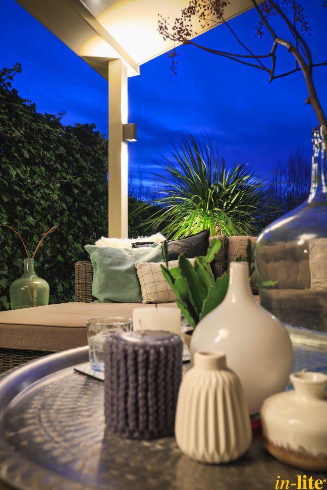 Sfeervol buitenleven | Inspiratie | Wandlamp ACE UP-DOWN | Buitenverlichting 12V | Warm White licht | Outdoor lighting