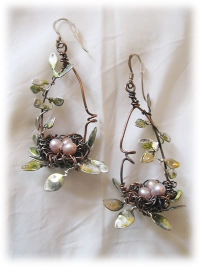 nest earrings - these are just TOO adorable, just as they are!!! love it! nest and eggs, wire twigs and leaves, teardrop earrings, lovely!