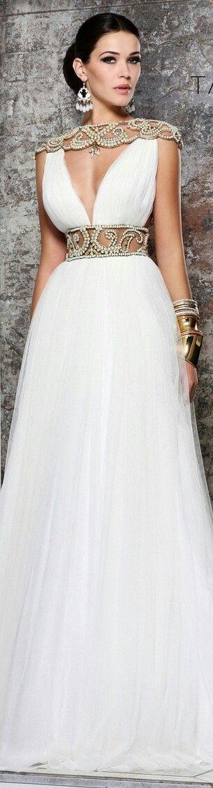 Fashion dress #reedkhloe55 #topmode2dayslook #fashiondress   www.2dayslook.com