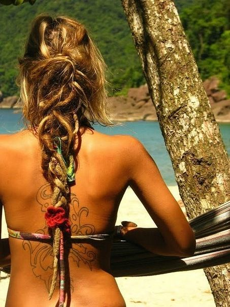 """Though Dreads are seen as """"dirty"""" or """"gross"""" I think they are fascinating and if I were either a gypsy or stranded on an island I'd grow my hair out down to my bellybutton and I'd do thus :D"""