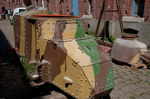 Fort de Seclin, Renault tank FT17 during restauration.