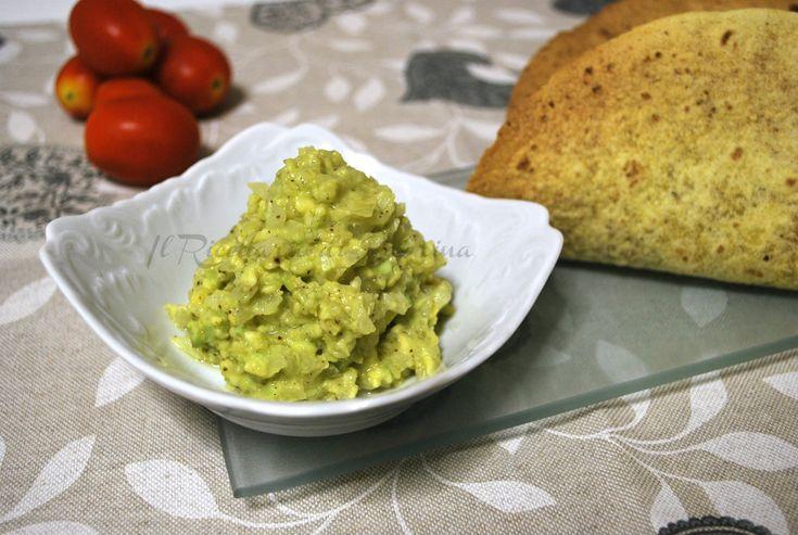 Il Guacamole è una salsa saporita, a base di avocado e lime, che non può mancare in una cena stile messicano