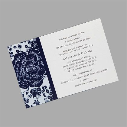 These antique style wedding invitations feature a floral pattern and are available in many colour combinations. www.kardella.com