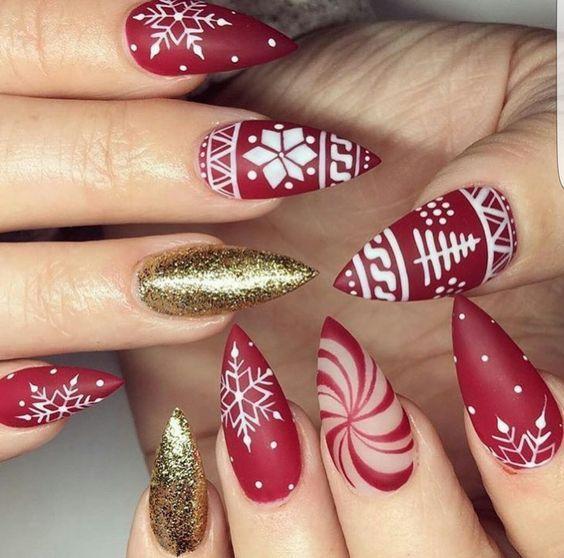 36 Beautiful And Stylish Christmas Stiletto Nail Art Designs Nails