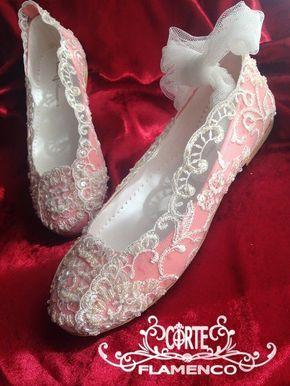 Larrana-zapatos-de-comunion-exclusivos-comunion-corte-flamenco-bailarinas-de-comunion-zapatos-hechos-a-medida-sabrinas-de-comunion-zapatos-artesanales