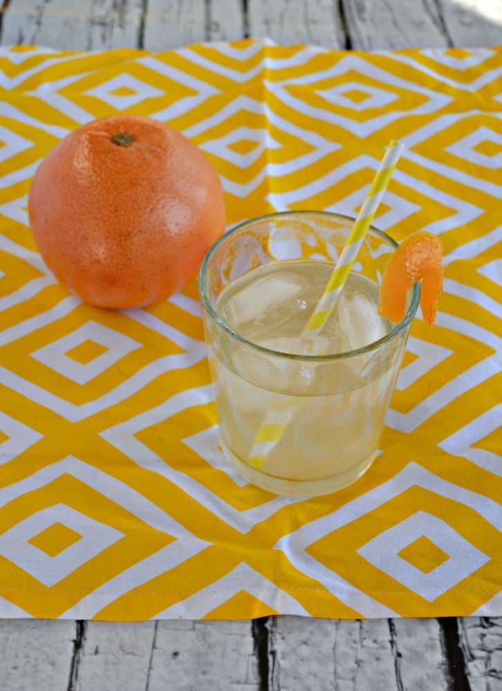 Looking for a delicious homemade soda? Try this tasty Grapefruit Soda with no artifical flavors, colors, or caffeine! #SundaySupper: