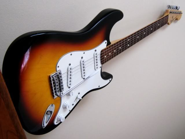 1990s mexican fender stratocaster bought used in early 2000s never quite right guitars. Black Bedroom Furniture Sets. Home Design Ideas
