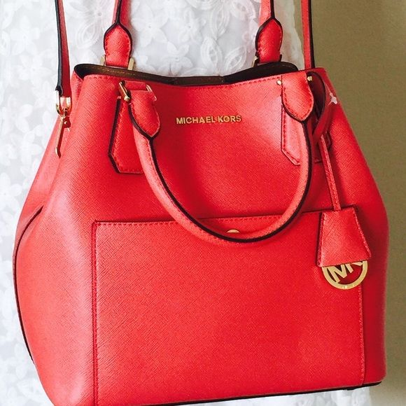Michael Kors Large Greenwich bag  Michael Kors Large Greenwich bag  Brand new. Can be worn in 2 ways. In watermelon color Michael Kors Bags Crossbody Bags
