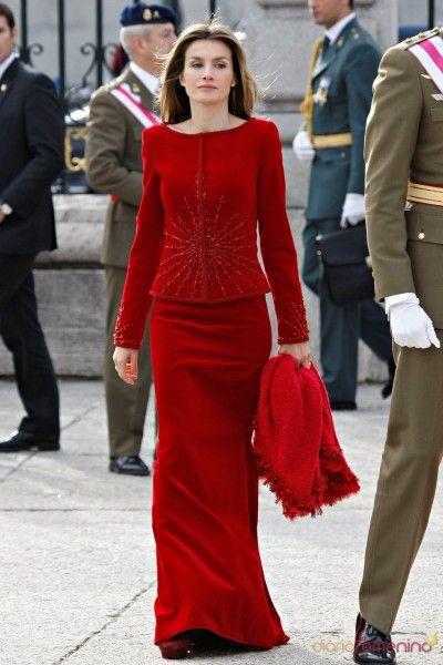 Vestidos de festa O estilista Sandro Barros fala sobre o modelo certo, vestidos de noiva e tendências