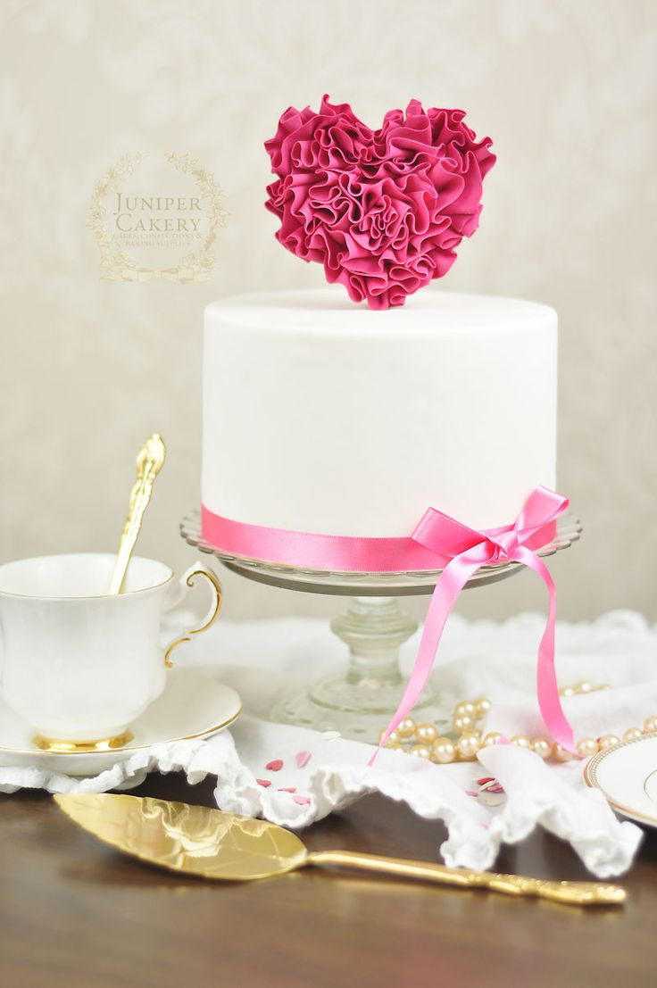 Tutorial Tuesday: How To Make a Fondant Ruffled Heart Pick For Cakes and Cupcakes!