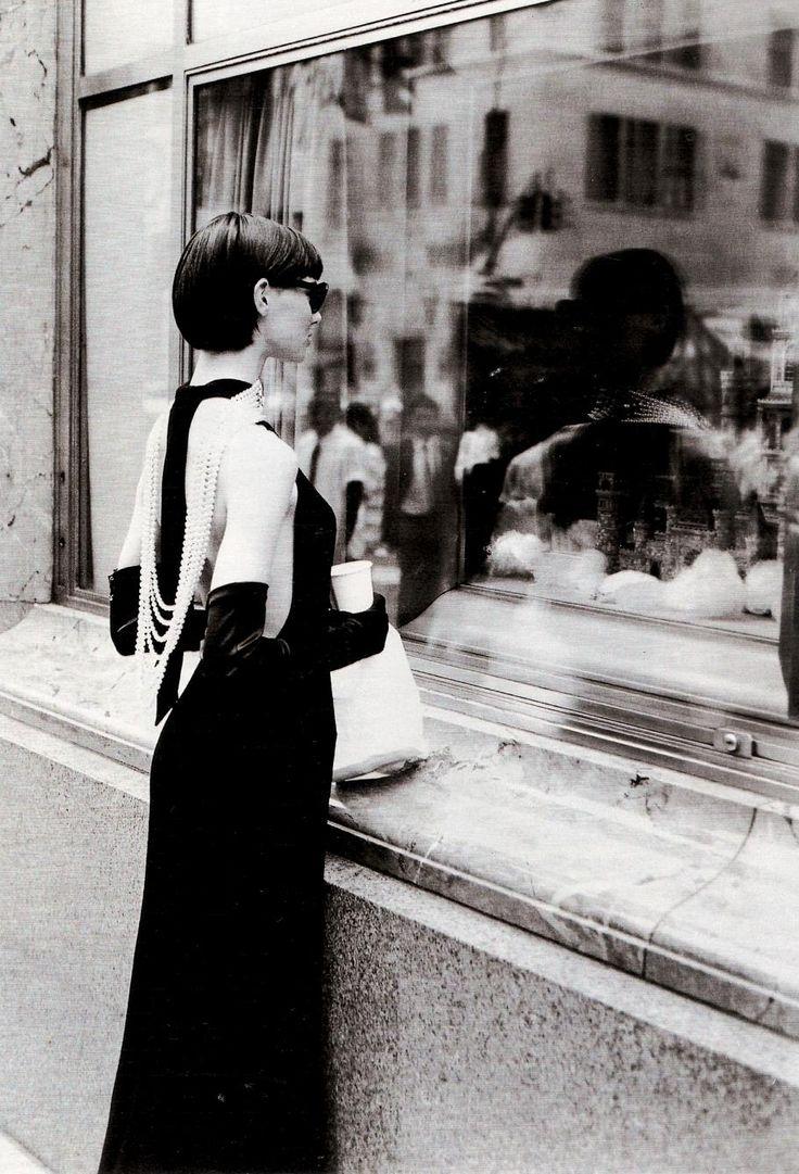 Annaleisse Seubert in 'I ♥ NY: Colazione da Tiffany' ('Breakfast at Tiffany's)…