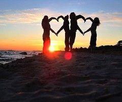 ♥: Photo Ideas, Heart, Beach, Family Photo, Friend, Photography, Photoideas, Picture Ideas