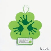 Handprint Shamrock: Decor Crafts, Handprint Crafts, Keepsake Crafts, Shamrock Keepsake, Kids Crafts, Handprint Art, Crafts Kits, St. Patrick'S, Handprint Shamrock