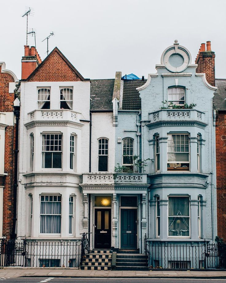 Houses at Chelsea Wharf in London photo