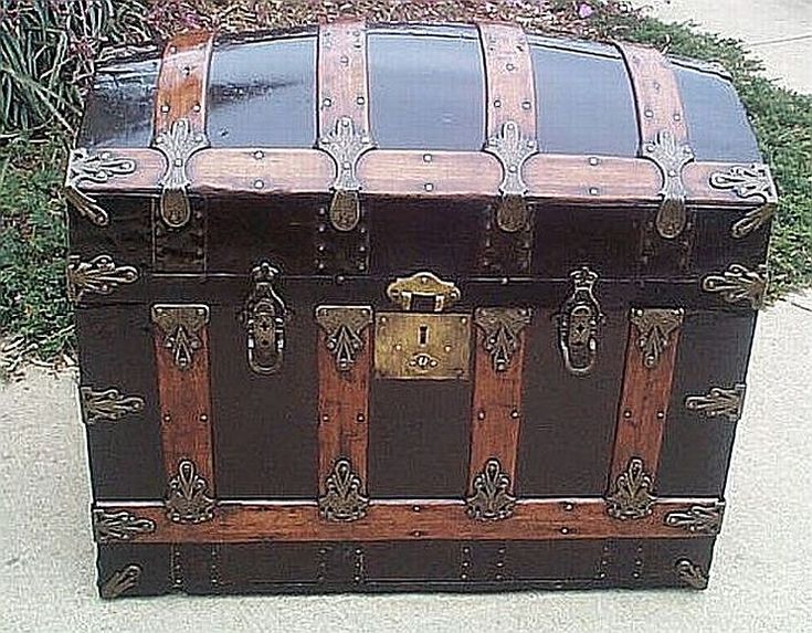 Antique Trunks And Chests ~ Antique steamer trunk locks woodworking projects plans