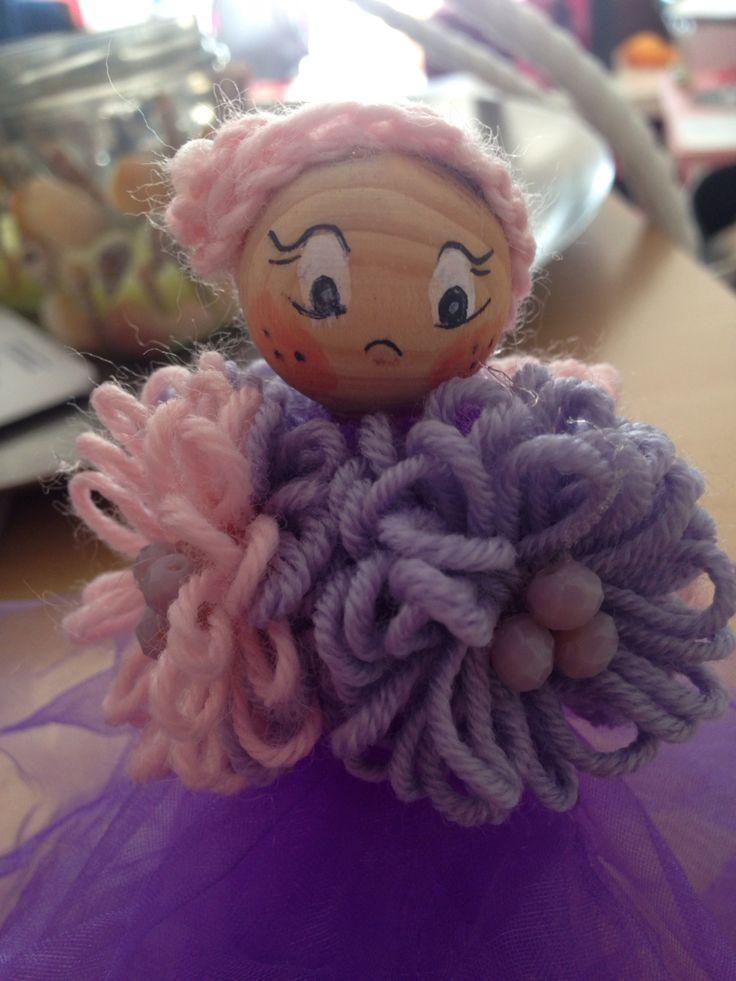 Altra fatina fatta con tulle e fiori di lana