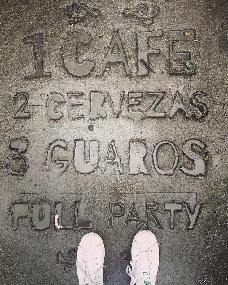 1 Cafe, 2 Cervezas, 3 Guaros, Full Party - our pavement / sidewalk / acera at #BarrioCentralCafeBar #BarLocal #BebeLocal #SanJoaquin #La70 #UPB #Laureles #Medellin