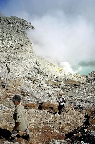 Down to Ijen Crater, East of Java - Indonesia #Nature #Sulphur #Indonesia