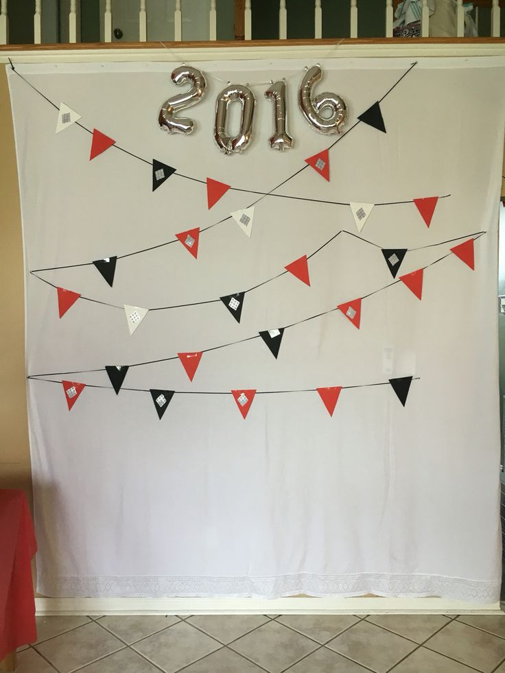 DIY Backdrop for photo booth and cake table!!