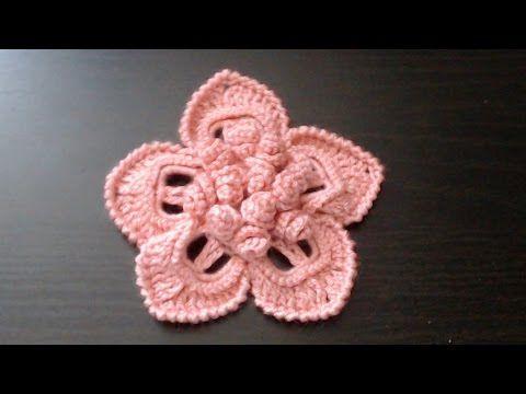"""Как связать цветок с объёмной серединкой из """"спиралек"""" - YouTube"""