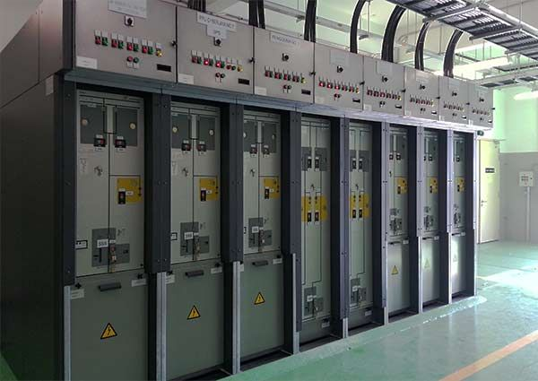 After many years of experience in designing, developing, manufacturing and commissioning air-insulated (AIS) and gas-insulated switchgear (GIS) for both primary distribution and secondary distribution, Ormazabal launched the cpg system, a series of high-performance, flexible, extensible cubicles with single and double busbars up to 40.5 kV, on markets around the world in 2005...