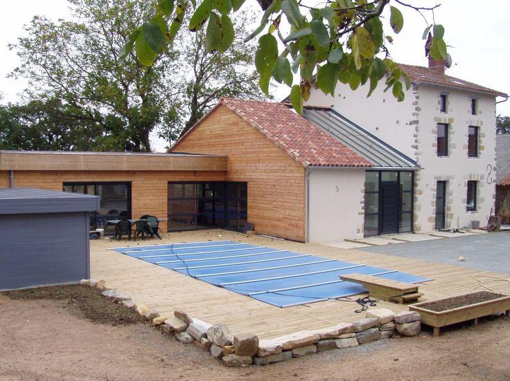 Réalisation d'une piscine avec sa terrasse bois.