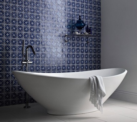 blue tiles... and that tub...